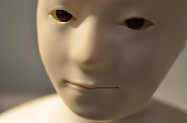 hlava robota