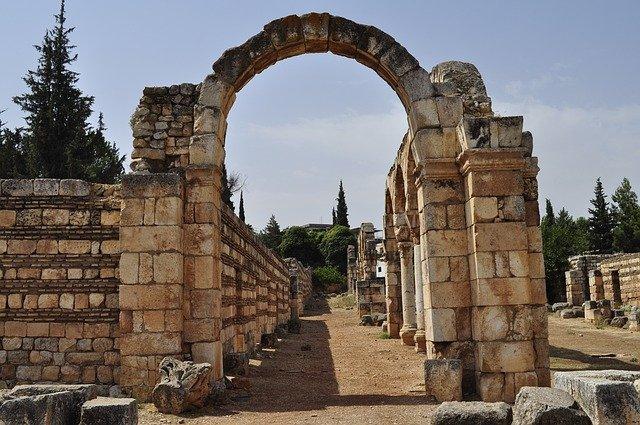 libanon zřícenina