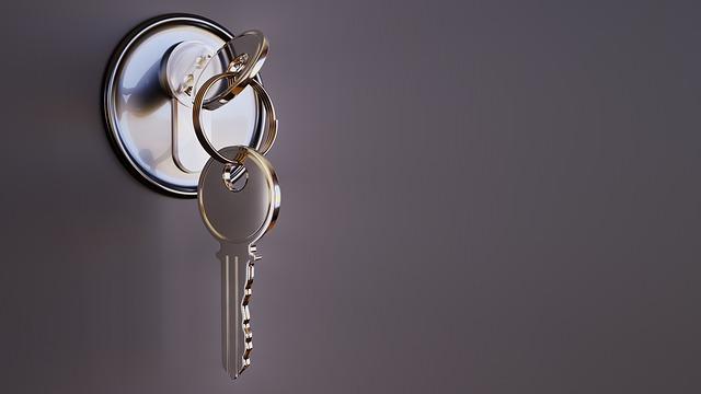 zámek s klíčema