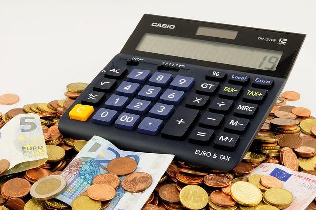 centy pod kalkulačkou