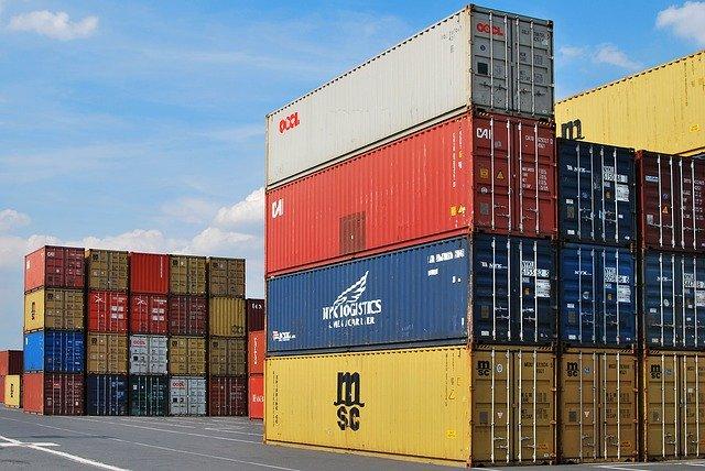 kontejnery před přestavbou